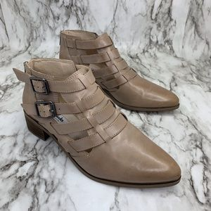 Clarks Narrative Ankle buckle Boots Marlina Ramble